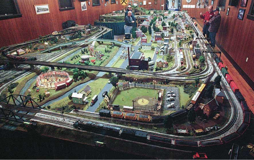 O Scale Toy Train Layouts