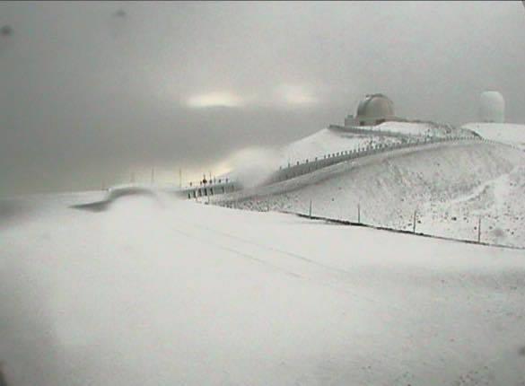 snowy-mauna-kea